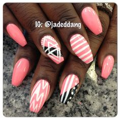 I'm not so crazy about the nail shape but I lovethe nail art.