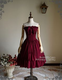 High quality lady dress in burgundy cotton blend, steel boned bodice part, standard and custom size doable, providing express shipping