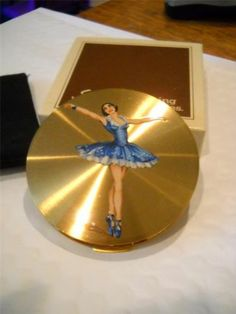 """Vintage Stratton """"Ballet"""" 1950's Minty Powder Compact with Box and Pouch Lovely 