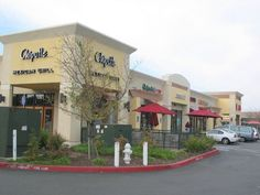 CFT Strip Mall, Citrus Heights, California - New strip mall shell building with site work. Exterior Colors, Exterior Design, Citrus Heights, Construction Group, Strip Mall, My Town, Cafe Design, Commercial Design, Gas Station
