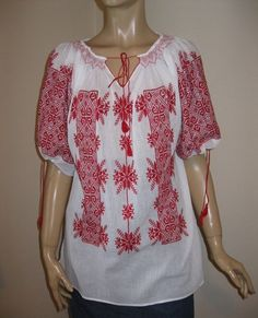 I love Peasant blouses, but it's so hard to find ones sewn without elastic or they make them with ugly patterned fabric.