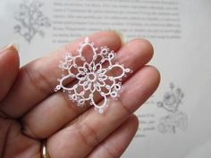 Irish Crochet, Crochet Motif, Crochet Designs, Crochet Patterns, Shuttle Tatting Patterns, Tatting Patterns Free, Tatting Earrings, Tatting Jewelry, Needle Tatting