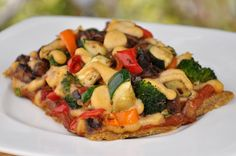 Raw Vegan Pizza! Friendly for Animals! By: Dawn Nacewicz for the FullyRawKristina Recipe Competition! :)