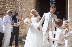 Hélène & JeanStephan   Film & Photography - @mariemarrymeinc   Wedding Gown & Shoes - @rosaclara   Wedding Planner & Designer - @HappilysEvents #wedding#mariage#dordogne#bride#mariée#groom#french#style#bouquet#fleurs#dentelle#tulle#couronnedefleurs#amoureux#happilysevents#mariemarryme