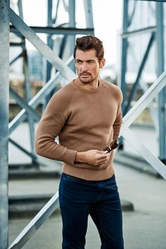 Considering David Gandy's birthday is February there should be an International David Gandy Day ;-) I mean of all the models and fitness models out there, I'd say David James Gandy is the one most women go absolutely ga-ga over. David Gandy Style, David James Gandy, Famous Male Models, Stylish Men, Men Casual, Style Masculin, Look Man, Cute Fall Outfits, Gentleman Style