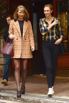 Taylor Swift and Karlie Kloss #beinspired to their simple but elegant fashion style!