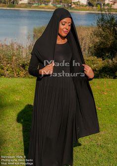 Robe Myriam Couleurs: noir, marron, gris foncé, gris clair, bleu marine.