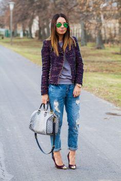 Jacket, trousers: ZARA | Sweatshirt: MANGO | Heels: DUNE | Bag: LOUIS VUITTON | Sunglasses: RAY-BAN.