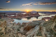 Sunrise at Gunsight Bay, Utah. Shot from our campground at Alstrom Point, right above Lake Powell. By Joaquin Baldwin - Imgur