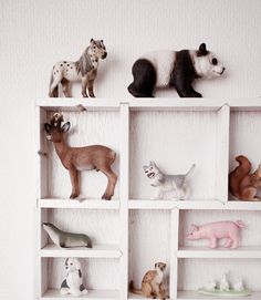 Dos Visits Kaspian and Nike´s room Big Girl Rooms, Boy Room, Kids Rooms, Stuffed Animal Storage, Stuffed Animals, Dream Kids, Happy Animals, Kid Spaces, Kids Decor