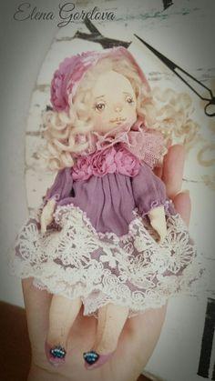 Текстильная интерьерная кукла Елены Гореловой.