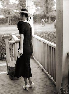 fifties-sixties-everyday-life:  Circa 1940s