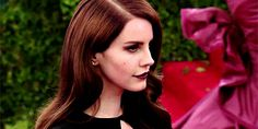 Lana Del Rey #LDR #GIF A Little Party, Real Queens, Lust For Life, Ldr, Beauty Queens, American Singers, Black Beauty, Acacia, Queen Elizabeth