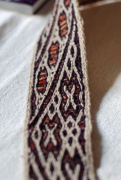 Uvdal band, woven by Estrid.