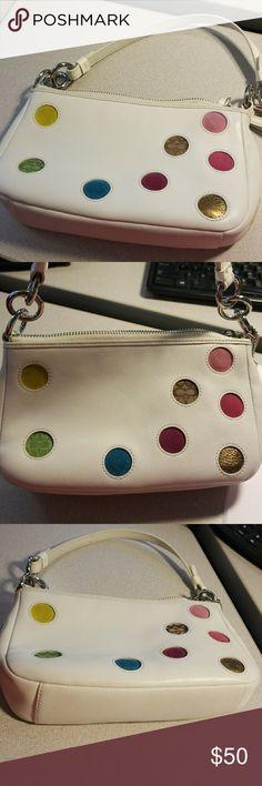 Coach purse EUC Clean no stains Zippers work Silver hardware 8.5' long 5' tall 2' deep Coach Bags Clutches & Wristlets