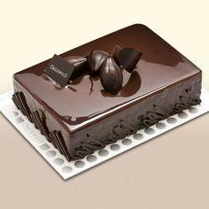 Francois J. Chocolate Cake Designs, Chocolate Desserts, Dark Chocolate Cakes, Food Cakes, Fancy Desserts, Delicious Desserts, Mini Cakes, Cupcake Cakes, Patisserie Fine