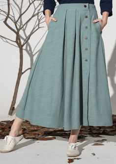 Details: * Maxi linen skirt * Some buttons on the front side * Two pockets on each side * The back waist has elastic and can strench * Spring skirt  * Size * Please check the detail size before you place an order Length:82 cm  SIZE GUIDE  Available in women's US sizes 2 to 18, as well as custom size and plus size.  Size chart PDF https://img1.etsystatic.com/117/0/7768512/icm_fullxfull.88761713_kppuw4pg028c0wso0ckk.pdf  PHOTO…