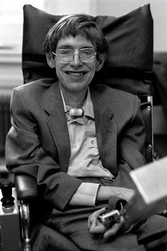 Stephen Hawking, Cambridge, England, photographed by Ian Berry Stephen Hawking Young, Stephan Hawkings, Deep Photos, Historia Universal, People Of Interest, Ludwig, Physicist, Science, Historical Photos