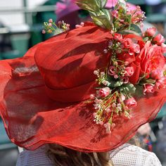 Red tulle Kentucky Derby hat Kentucky Derby Hats, Racehorse, Thoroughbred, Tulle, Photo And Video, Instagram, Tutu, Mesh, Tulle Skirts