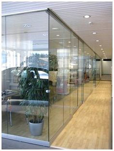 Glass office partition walls makes the office feel not so stuffy. Glass Office Partitions, Glass Partition, Partition Walls, Design Loft, Modern Design, Uses Of Glass, Demountable Partitions, Modular Office, Office Walls