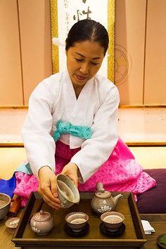 The Traditional Korean Tea Ceremony on http://busan.for91days.com