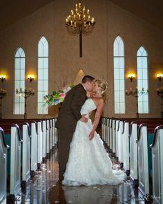 Gorgeous photograph of a couple getting married at Northeast Wedding Chapel. #chapelwedding #dfwbride #fortworthweddingvenue #dallasweddingvenue #waltersweddingestates