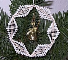Christmas Wreaths, Christmas Crafts, Christmas Ornaments, Bobbin Lace Patterns, Needle Lace, Tatting, Holiday Decor, Flowers, Mandalas