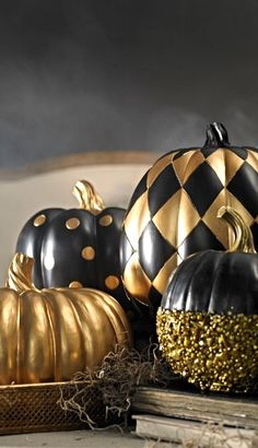 Masked, Chevron, Grapevine or Flaming... make our pumpkins the stars of your most memorable Halloween display.