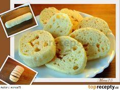Knedlíky  houskové - postup při výrobě - tvarování Czech Recipes, Cheese Bread, Dumplings, Side Dishes, Recipies, Pizza, Cooking, Czech Food, Gnocchi
