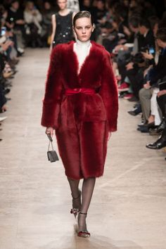 See all the standout looks from the top collections in Paris: Rochas