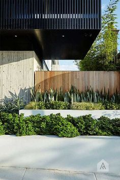 Browse landscape pictures, discover landscaping ideas and get tips from landscape design for creating your dream front yard landscaping or backyard landscaping ideas. Modern Landscape Design, Garden Landscape Design, Landscape Plans, Modern Landscaping, Landscape Architecture, Backyard Landscaping, Architecture Design, Backyard Ideas, House Landscape