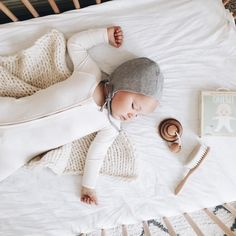 Those precious quiet moments... #regram @daniegalindo #boodybaby #boodybabyUS  .  .  #boodybaby #boodywear #sleepyhead #naptime #snuggletime #babyclothes #babyproducts #babyessentials #supersoft #organicclothes #socomfy #madeofbamboo #everydaycomfort #ethicalclothing #babyboy #babygirl #baby #babybasics #liveorganic #momlife #parentlife