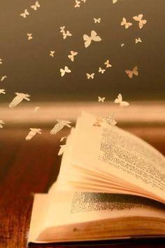 La magia della lettura, che ti immerge in un mondo al di fuori della realtà e dà vita a creature e luoghi fantastici.
