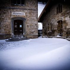 Leicht im Schnee das Salzmuseum... #salzmuseum #museum #rottau #grassau #chiemgau #schnee #snow #winter #ig_bayern #ig_germany #igersgermany #thebavarianwayoflife #ig_discover_germany #ig_great_shots #exclusive_earth #postcardplaces #exclusive_europe #bestgermanypics #bestofbavaria #wunderbaresbayern #srs_nature #naturelovers #nature #deinbayern #srs_germany #igersoftheday # Maschinenhaus #historic