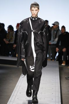 See the complete Marcelo Burlon County of Milan Fall 2017 Menswear collection.