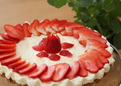 Ricotta cheesecake with fresh strawberries - An easy cheesecake to make and much better for you than the shop-bought variety.