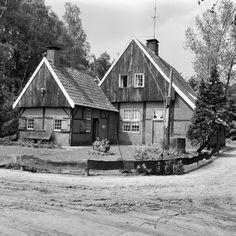 Boerderij onder zadeldak met pannen gedekt, Veddersweg 15 in Haaksbergen   foto 1969 - Rijksmonumenten.nl
