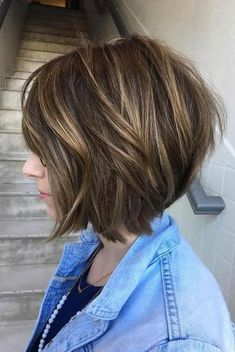 Trending Stacked Bob Hairstyles For Women 2018 2019 32 - kurzhaarfrisuren Stacked Bob Hairstyles, Pretty Hairstyles, Hairstyle Ideas, Brown Hairstyles, Hair Ideas, Popular Hairstyles, Hairstyles Haircuts, Textured Hairstyles, Short Stacked Haircuts