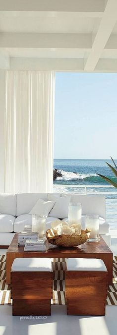 Stunning view from this Luxury Homes beautiful living room. - Luxury Homes Coastal Living Rooms, Living Spaces, Home Theaters, Beach House Decor, Home Decor, Chic Beach House, Interior And Exterior, Interior Design, Interior Logo