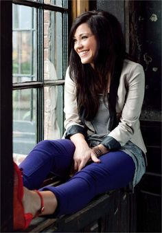 Kari Jobe is one of my favorite worship artists. Her voice is so calm and peaceful. :)