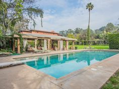 10 Beautiful Pools You Can Rent on Swimply. A selection of beautiful pools you can rent for a staycation or reason to beat the heat. Booking Sites, Kiddie Pool, Beautiful Pools, Bistro Set, Mediterranean Style, Orlando Florida, Private Pool, Staycation, Rafting