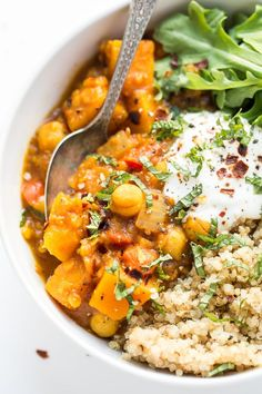 This slow cooker Moroccan Chickpea Stew is made with tons of aromatic spices, butternut squash and red lentils for a hearty, plant-based dinner! --I left our the squash as my husband doesn't like Slow Cooker Quinoa, Healthy Slow Cooker, Slow Cooker Recipes, Crockpot Recipes, Oven Recipes, Easy Recipes, Freezer Recipes, Barbecue Recipes, Freezer Meals
