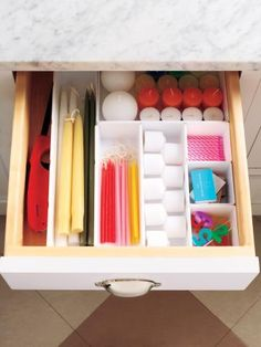 candle organization : rubbermaid drawer organizers from the container store Organisation Hacks, Storage Organization, Easy Storage, Storage Bins, Organizar Closets, Bougie Partylite, Plastic Drawer Organizer, Drawer Dividers, Ideas Para Organizar