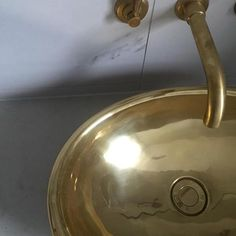 Brass delisciousness by @theinnatehome featuring our pure brass handcrafted Corana Basin. #williamholland #brass #basin #melbourne #interiordesign www.williamholland.com