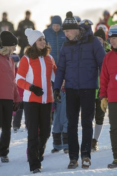 Kate Middleton Photos - Catherine, Duchess of Cambridge and Prince William, Duke of Cambridge attend an event organised by the Norwegian Ski Federation, where they join local nursery children in a number of outdoors activities at Holmenkollen ski jump on day 4 of their visit to Sweden and Norway on February 2, 2018 in Oslo, Norway. - The Duke and Duchess of Cambridge Visit Sweden and Norway - Day 4