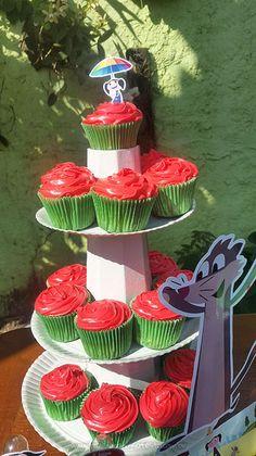 Cupcakes Festa Show da Luna da Alana Cupcake Show Da Luna, Watermelon Crafts, Alice, Birthday Bash, Gabriel, Party, Gifts, 1, Watermelon Birthday