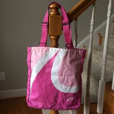 Nike pink bag In good condition Nike Bags Shoulder Bags