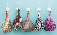 All People Quilt has posted a new pattern for these DARLING little grab bags! The pdf pattern is very detailed with ACTUAL pattern pieces. Love it! POST UPDATE 7/16/2013: Click here for the free pattern. They DO request membership now! (No biggie