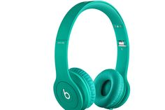 Shop Beats by Dr. Dre Beats Solo HD On-Ear Headphones Drenched in Purple at Best Buy. Ipod, Beats By Dre, Cute Headphones, Over Ear Headphones, Wireless Headphones, Bluetooth, Cheap Beats, Beats Solo Hd, Cool Tech Gifts