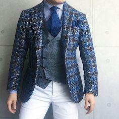 . 2017/02/10. . おはようございます. . 今日はこんな感じで✨. . . . Jacket #DePetrillo Shirts & Tie #beamsf Gilet #Bevilacqua Chief #STEFANOCAU Pants #PT01 * * * #mensstyle #mensfashion #menswear #mnswr #wiwt #fashionstyle #fashionable #me #swag #photooftheday #picoftheday #instagood #instastyle #instafashion #IGfashion #instacool #coordinate #dapper #ootd #outfit #outfitpost #fashiongram #gentleman #fashionista